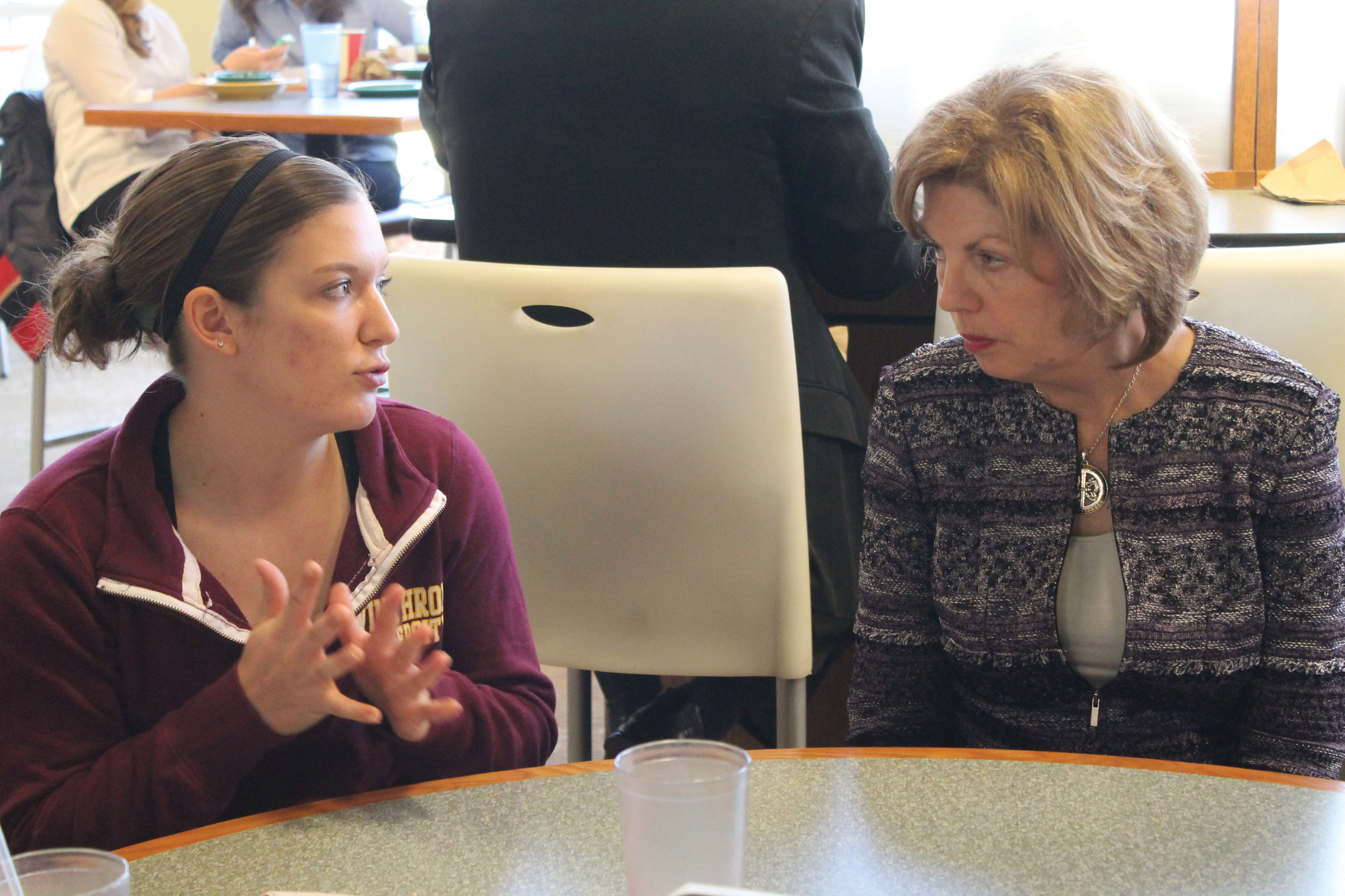 Presidential candidate Elizabeth Dale talks with freshman Brook Tracy. Photo by Shamira McCray • mccrays@mytjnow.com