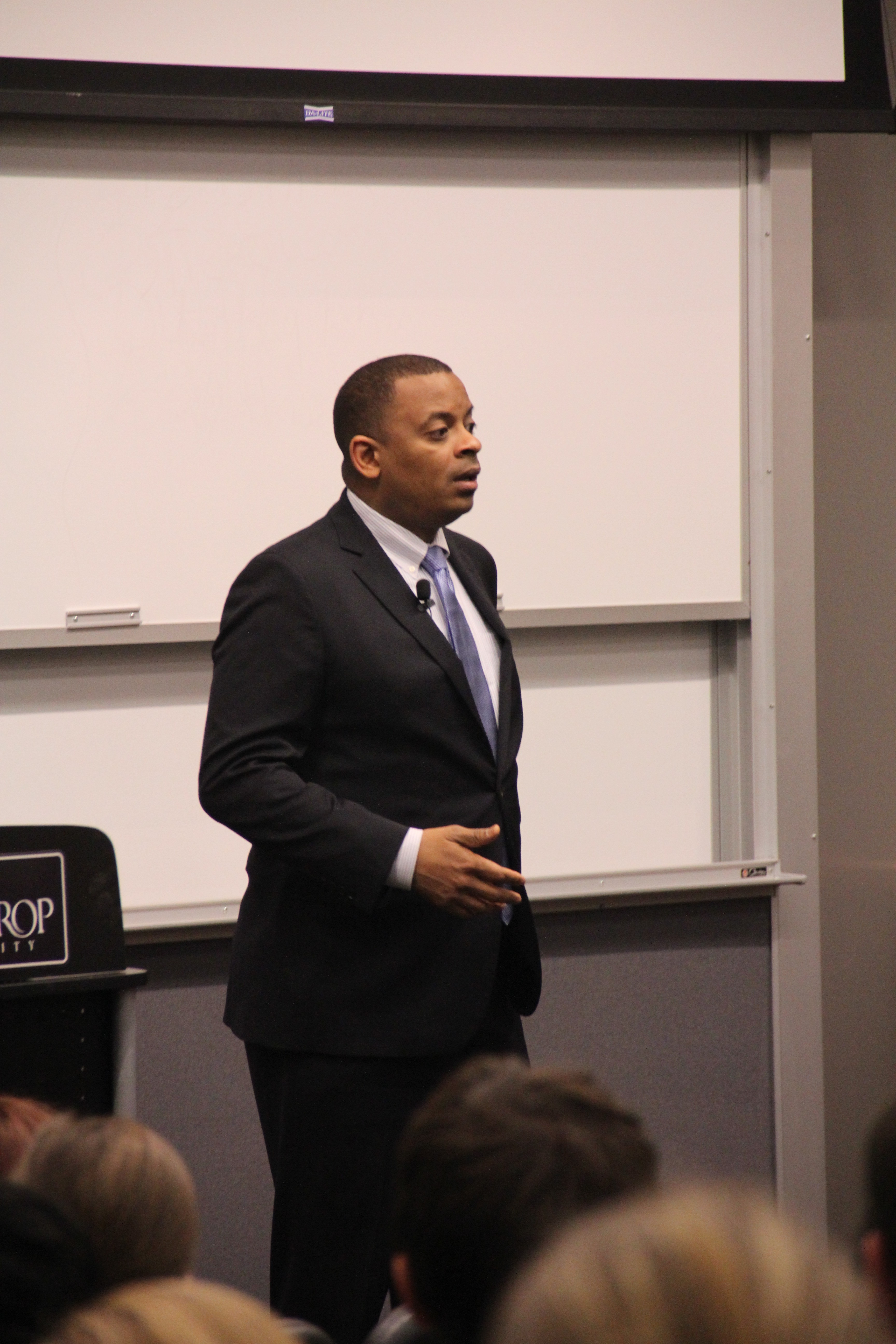 Charlotte Mayor Anthony Foxx  speaks to students about his accomplishments as mayor and  how he hopes to improve Charlotte in the future. Photo by Coleman Krietemeyer • krietemeyerc@mytjnow.com