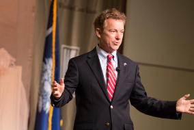 Kentucky Senator Rand Paul speaking to a crowd in the Richardson Ballroom. Jacob Hallex/ The Johnsonian