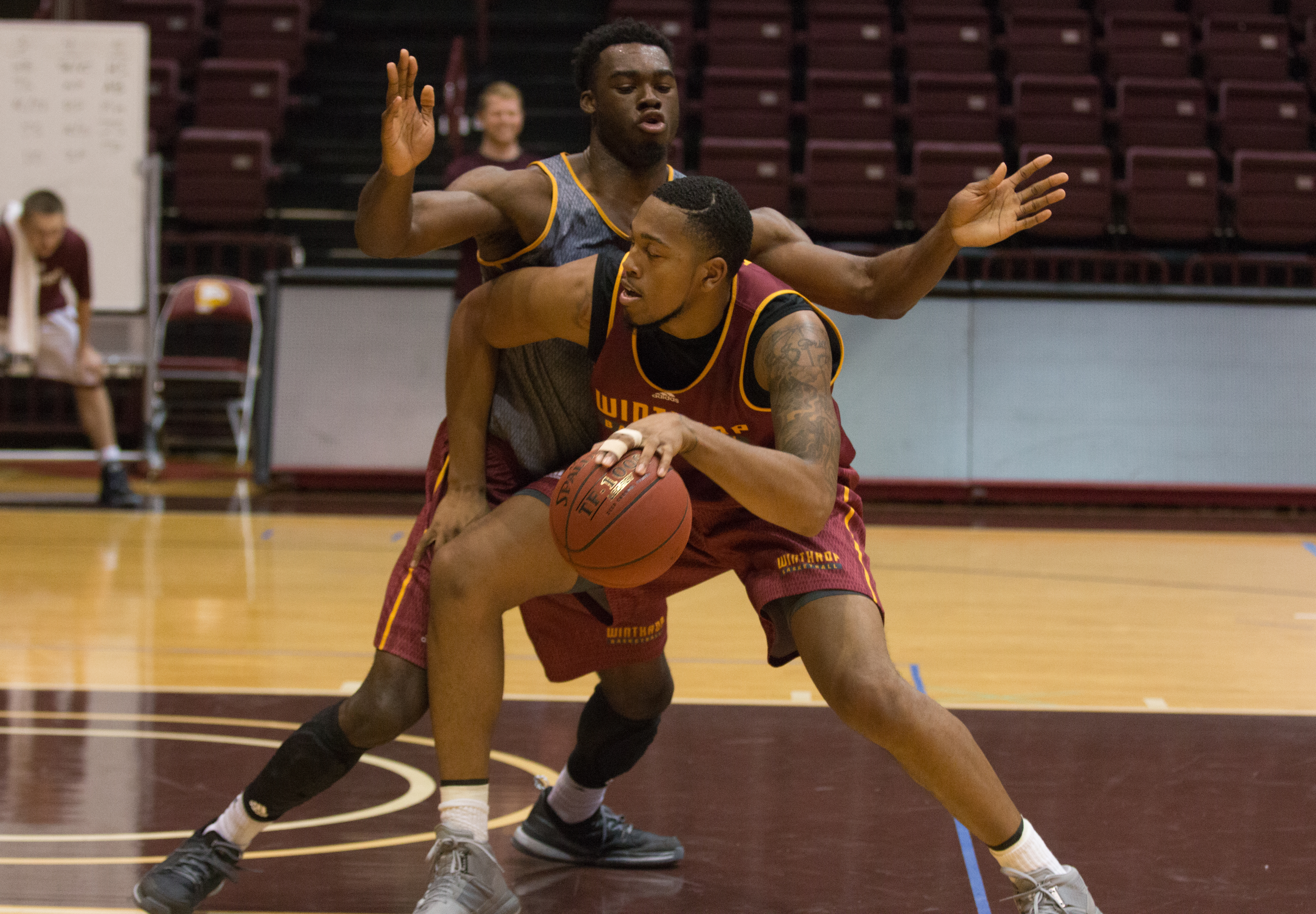 Senior center Zach Pryce pictured at practice with Duby Okeke. Jacob Hallex/ The Johnsonian